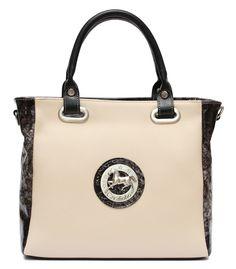 Para o seu look de hoje escolha uma mala Cavalinho!  For your look today choose a Cavalinho handbag! Ref: 1070072 #cavalinho #cavalinhoficial
