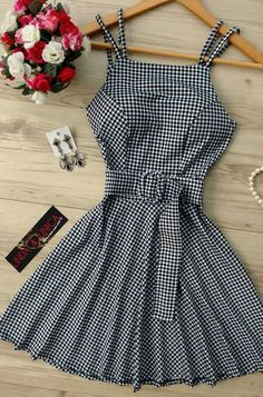 Girls Fashion Clothes, Teen Fashion Outfits, Look Fashion, Girl Fashion, Girl Outfits, Fashion Dresses, Clothes For Women, Simple Dresses, Cute Dresses