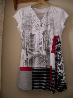 Lagenlook Tunic/ Black White Upcycled T Shirt Top/ Medium to Large These t-shirt tunics are such a fun and flattering style to wear! They look