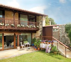 Casa Rustica en Cantabria / Rustic Style House in Cantabria Spanish House, Spanish Style, Rustic Houses Exterior, Brick Accent Walls, Mountain House Plans, Modern Rustic Homes, Beautiful Villas, Craftsman House Plans, Traditional House
