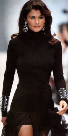 Helena Christensen S Carrie Fiter // fashion aesthetic hairstyles outfits outfit inspiration inspiration fashion outfits - - Grunge Fashion, Look Fashion, 90s Fashion, Couture Fashion, Runway Fashion, Fashion Models, Fashion Show, Vintage Fashion, Fashion Outfits