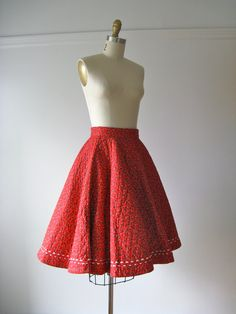 vintage 1950s quilted circle skirt / Candy Apple