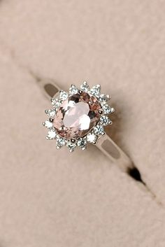 Rose gold engagement rings have a feminine and romantic look. These rings is a fantastic choice for people with warm and cooler skin tones. You'll like it! #engagementring #engagement #weddingring #wedding #ring