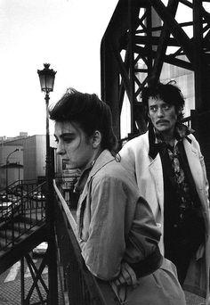 "Robert Doisneau, Portrait of the rock band ""Les Rita Mitsouko"" Robert Doisneau, White Photography, Street Photography, Minimalist Photography, Urban Photography, Color Photography, Great Photos, Old Photos, Willy Ronis"