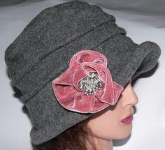 Scala Wool Grey Hat Mauve Flower Rhinestone Pin Charcoal Winter Heart Clover  #ScalaColleczione #Cloche #FallWinter