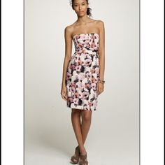 JCrew Watercolor Print Dress with Pockets Gorgeous strapless dress in silky soft material with watercolor abstract floral print. Self boning at bodice. Pockets! Perfect for summer weddings. J. Crew Dresses