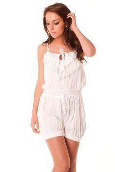Combi-short très mode en blanc avec dentelle au dos. vêtement fashion 124 Prix : 7.12 €