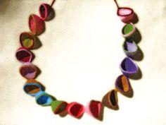 Gemma Pampalona, crochet necklace