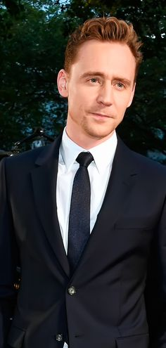 Tom Hiddleston attends a gala screening of 'High-Rise' during the BFI London Film Festival at Odeon Leicester Square on October 9, 2015 in London. Full size image: http://ww4.sinaimg.cn/large/6e14d388gw1ewveoxi0dhj21kw29fh5g.jpg Source: Torrilla, Weibo