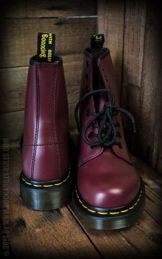 Dr Loch-Cherry Red - Boots, shoes, clothing and accessoires for men and  women