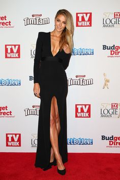 Jen Hawkins can do no wrong on the red carpet. Last night she selected a super-sexy cut by her designer friend Alex Perry.