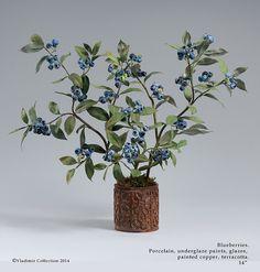 Porcelain Blueberries by Vladimir Kanevsky Clay Flowers, Sugar Flowers, Faux Flowers, Paper Flowers, Glass Gemstone, Objet D'art, Flower Pictures, Fine Porcelain, Art Object