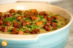 Esta Receita fácil de Tutu de Feijão leva bacon, calabresa, cenoura e outras delicias.