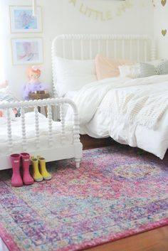So excited to finally share all the details of the girls's shared room with Rugs USA's Bosphorus BD07 Distressed Persian Rug!