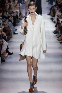 FWAH2016 les robes de mariee blanches de la Fashion Weekhttp://www.vogue.fr/mariage/tendances/diaporama/fwah2016-les-robes-de-mariee-blanches-de-la-fashion-week/26472#fwah2016-les-robes-de-mariee-blanches-de-la-fashion-week-7