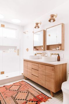 Why Designers Hate Most Medicine Cabinets (+ Some Genius Alternative Bathroom Storage Solutions) If your vanity is deep, you can use a surface-mount medicine cabinet without clocking yourself in it or not being able to clean behind the faucet. Bad Inspiration, Bathroom Inspiration, Bathroom Ideas, Earthy Bathroom, Ikea Bathroom, Gold Bathroom, Master Bathrooms, Small Bathrooms, Bathroom Cleaning
