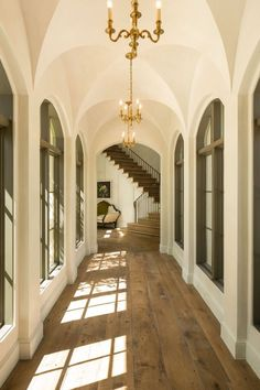 Elegant walls and ceiling, understated wood floors and staircase. Thompson Custom Homes. Architecture Design, Beautiful Architecture, Future House, My House, Beautiful Homes, Beautiful Interiors, House Goals, Style At Home, My Dream Home