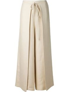 Shop Rosetta Getty wide leg apron-tie trousers in Fivestory from the world's… Women's Fashion - Designer Inspiration for 2018 Discover your favourite global labels & plenty of new designers all in one place at Farfetch. Shop womenswear at Farfetch and Fashion Pants, Hijab Fashion, Fashion Dresses, Wrap Pants, Skirt Pants, Shorts, Mode Kimono, Sewing Pants, Pants For Women