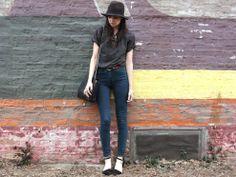 Caylee's 'If You Seek Style' blog...      -------      http://www.ifyouseekstyle.com