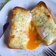 とろ〜り卵の絶品カルボナーラ風味トースト(お気に入り朝ごはん)