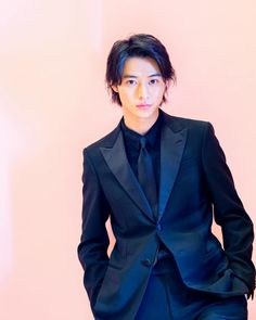 Kento Yamazaki, Asian Actors, Asian Boys, Hot Guys, Eye Candy, Suit Jacket, Handsome, Japanese, Instagram Posts