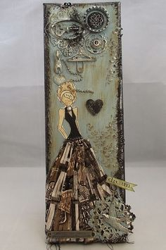 Tracy Evans fantastic art using a muslin doll and dress with beautiful accents Prima Paper Dolls, Prima Doll Stamps, Mixed Media Collage, Mixed Media Canvas, Julie Nutting, Pochette Diy, Scrapbooking, Artist Trading Cards, Card Tags