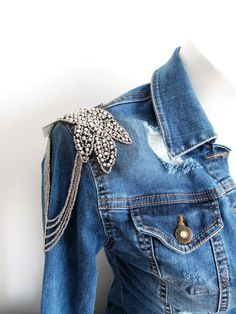 Gunmetal Beaded PCS Silver Shoulder Pads,Beaded Epaulette With Beaded Chain,Glass Beade Chain Jewelry, Shoulder Pads, Denim, Trending Outfits, How To Wear, Clothes, Etsy, Dresses, Style