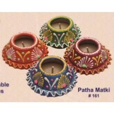 Simple diya decoration ideas for Diwali Browse beautiful diya images online on HappyShappy! Also find and save decorative diyas design photos for competition in school. Diya Decoration Ideas, Diy Diwali Decorations, Festival Decorations, Diwali Craft, Diwali Gifts, Diwali Diya, Art N Craft, Craft Work, Diy Arts And Crafts