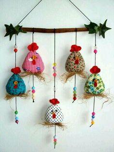 Hühner oder kleine Vögel autour du tissu déco enfant paques bébé déco mariage diy et crochet Easter Crafts, Felt Crafts, Fabric Crafts, Sewing Crafts, Diy And Crafts, Christmas Crafts, Crafts For Kids, Arts And Crafts, Simple Crafts