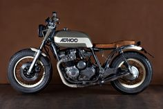 Sweet jom on a Yamaha XJ650 motorcycle customized by Ad Hoc Cafe Racers