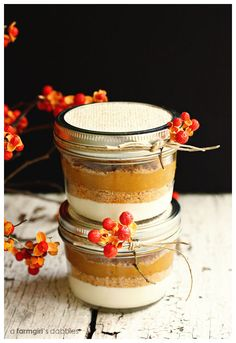 I'm not the biggest fan of traditional pumpkin pie, but I'll gladly eat this Layered Pumpkin Pie in a Jar any day!