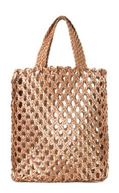 Donna Karan Spring 2015 Spring Accessories New York◆◇◆◇◆◇◆ Could make this out of recycled plastic bags ~! Crochet Market Bag, Crochet Tote, Crochet Purses, Filet Crochet, Net Bag, Macrame Bag, Tote Pattern, Filets, Knitted Bags