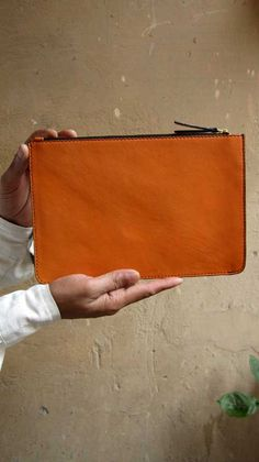 Tangerine Lizzie, Chiaroscuro, India, Pure Leather, Handbag, Bag, Workshop Made, Leather, Bags, Handmade, Artisanal, Leather Work, Leather Workshop, Fashion, Women's Fashion, Women's Accessories, Accessories, Handcrafted, Made In India, Chiaroscuro Bags - 7