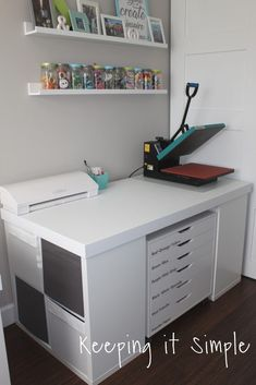 DIY Crafting Table {Vinyl Work Station This DIY crafting table is perfect for any craft room, lots of creating space and storage space! It's a great vinyl work station too! Ikea Craft Room, Craft Room Decor, Craft Desk, Cricut Craft Room, Craft Table Ikea, Craft Room Tables, Diy Table, Small Craft Rooms, Wall Decor