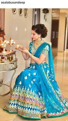 Bollywood Style, Bollywood Fashion, Lehenga Choli, Sarees, India Decor, Wedding Saree Blouse, Female Fashion, Photo Shoots, Kurtis