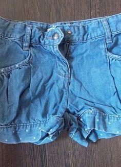 À vendre sur #vintedfrance ! http://www.vinted.fr/mode-enfants/shorts-et-pantalons/23425030-short-en-jean-petite-fille
