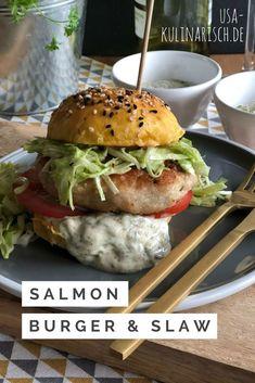 Lachsburger mit selbstgemachtem Spitzkohl-Slaw und Süßkartoffel-Bun American Food, Salmon Burgers, Meat Recipes, Hamburger, Vegetarian, Chicken, Cooking, Ethnic Recipes