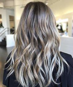 Summer blonde bayalage