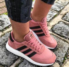 cheaper 69a52 6df4a Tennis Shoes Outfit, Adidas Fashion, Adidas Shoes, Shoes Sneakers, Acham,  Cute