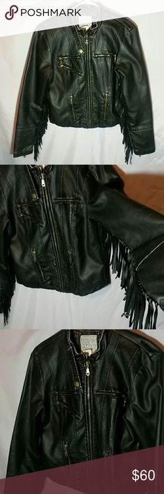 Vegan Billabong fringe faux leather jacket Medium In great condition Length: 19 inches chest 17 inches Smoke free, pet friendly home Billabong Jackets & Coats