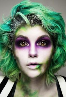 11 Halloween Makeup Looks That Will Make You Scream Beetlejuice Beetlejuice Beetlejuice! 11 Halloween Makeup Looks That Will Make You Scream Beetlejuice Beetlejuice Beetlejuice! Source by reallyfamous Halloween Film, Halloween Makeup Looks, Scream Halloween, Female Halloween Costumes, Halloween 2019, Halloween Costumes Diy Scary, Halloween Make Up Scary, Horror Movie Costumes, Halloween Zombie