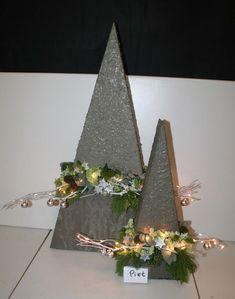 Christmas Craft Fair, Diy Christmas Tree, Xmas Tree, Christmas 2019, Christmas Wreaths, Christmas Decorations, Christmas Ornaments, Holiday Decor, Christmas Flower Arrangements
