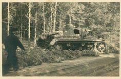 Un Pz Kw III Ausf. B (creo) detenido al costado de un camino secundario - Polonia 1939