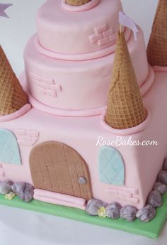 {An Easy} Pink Princess Castle Cake Princess Theme Cake, Pink Princess Cakes, Pink Princess Party, Princess Castle Cakes, Easy Castle Cake, Frozen Castle Cake, Castle Party, Pink Cake Box, Pink Castle