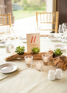 La Travola Fine Linen Rental: Dupionique Apple | Photography: Maison Meredith Photography, Event Planning: Love in LA Events, Floral Design: Flowers by Felicia, Venue: Bel-Air Country Club