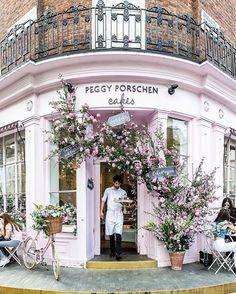 Pretty pink cake shop in London's Belgravia