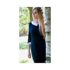 Sukienka czarna MARIE - z odpinanym kołnierzykiem i mankietami - Studio Mody MARIE