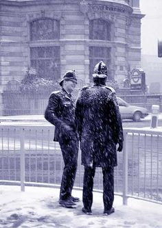 The City of London Snow Storm Vintage London, Old London, London City, London Snow, London Winter, London History, British History, London Police, Places In England