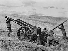 Capa:  SPAIN. Aragon. Republican artillery. August-September 1936.  Magnum Photos