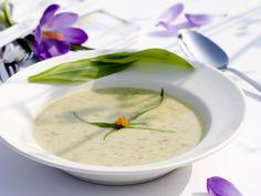 Köstliches von der Wiese! Bärlauchcremesuppe - smarter - Zeit: 25 Min. | eatsmarter.de